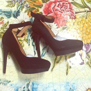 L.A.M.B Ofelia black textured heels